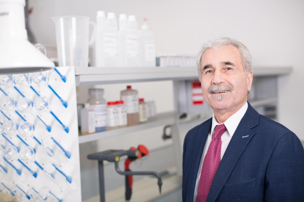 Dr. Taghi Hajgholipour