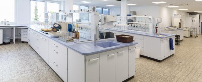 Krombacher-Brauerei-Labor-Steiner-Chemie